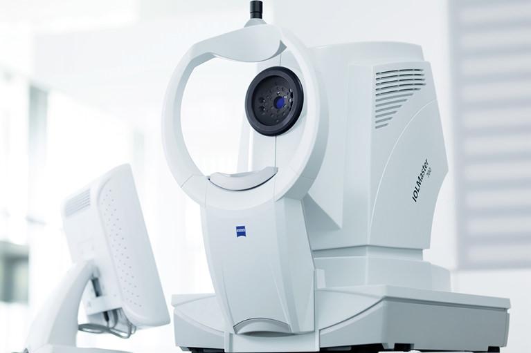 眼軸長測定装置IOLマスター700